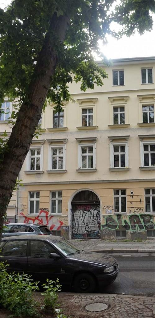 Die frühere Friedrich-Karl-, heutige Colbestraße Nr. 23 in Berlin-Friedrichshain: das einzige noch erhalten gebliebene jener Häuser, in denen sich eine der von Reich geleiteten Sexualberatungsstellen befand. Sexualreform
